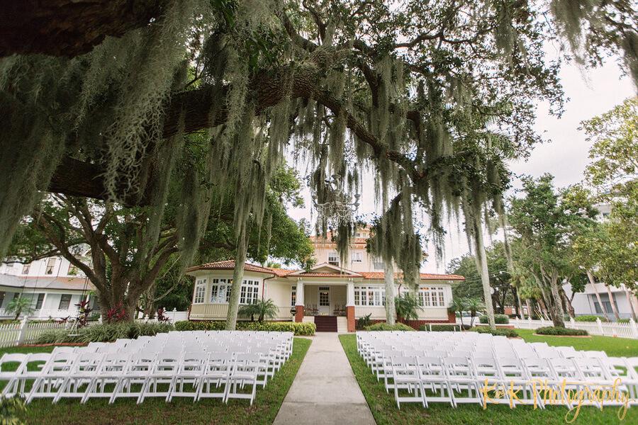 navy blue wedding - Tampa bay outdoor wedding ceremony