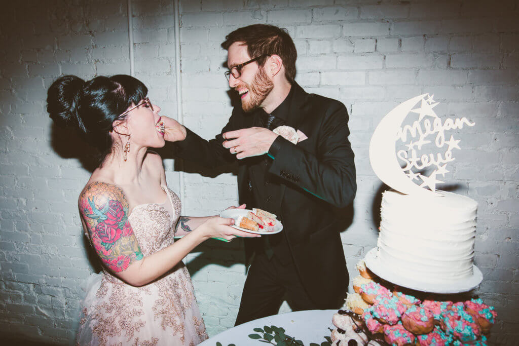 Events by special moments- Florida wedding planner- tattooed wedding – rose gold- vegetarian wedding -cake cutting