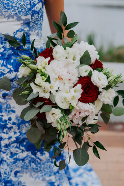 St Petersburg wedding planner – events by special moments – gulf coast wedding planner -red and white bouquet