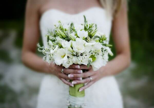 Special Moments Event Planning - 2020 wedding trends - Tampa Bay weddings planner - loose garden feel florals