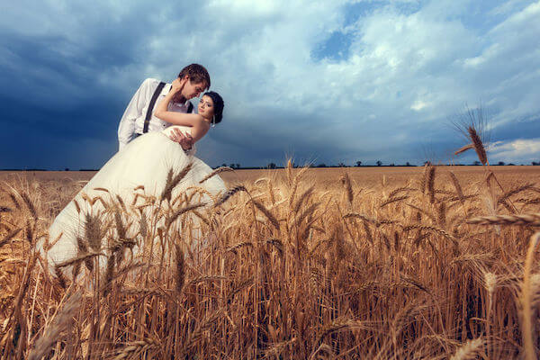 Dramatic wedding photography - how to pick your wedding photographer - Tampa Bay weddings