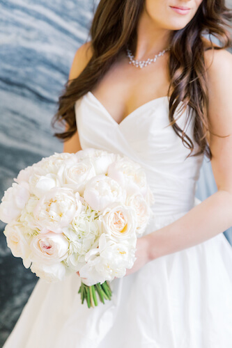 bride with bouquet - bride with white and blush bouquet - bride with peoniy and garden rose bouquet - bride with blush and white bouquet - bride with sweetheart neckline - Tampa wedding - Tampa bride