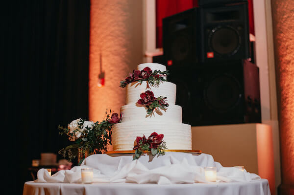 Florida wedding – Saint Petersburg Florida wedding – Saint Petersburg wedding – Greek wedding - white wedding cake - wedding cake - white buttercream wedding cake - white wedding cake with burgundy orchids