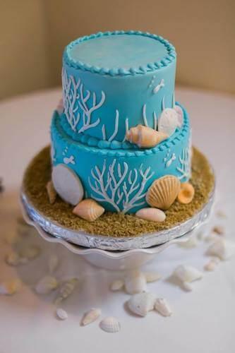 beach wedding cake - Florida beach destination wedding cake - blue wedding cake with sea shells