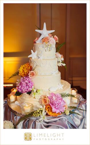 wedding cake with fresh flowers and Starfish - Starfish cake topper - beach themed wedding cake