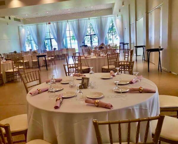 physical distant wedding reception - wedding planning during COVID - wedding reception with six foot distancing
