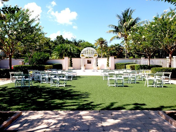 outdoor wedding ceremony - wedding ceremony during COVID 19 - socially distant wedding ceremony
