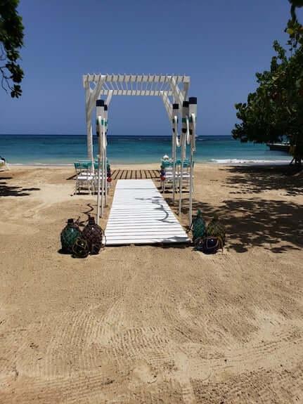 decor for an intimate beach wedding